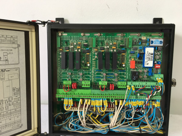 Simrad Robertson Autopilot Distribution Unit D91